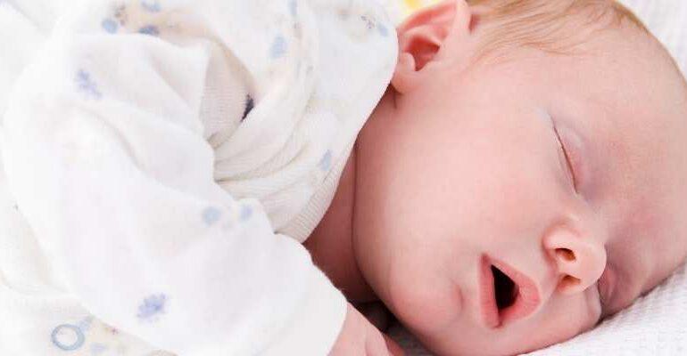 Yenidoğanın Uyku Düzeni